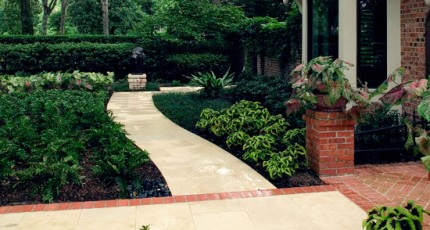 River Oaks Landscaping